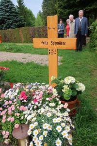 12 - Friedhof Achern - Fritz Schwörer
