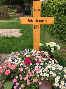 13 - Grab von Fritz Schwörer