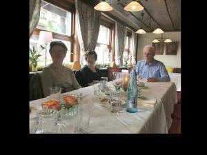 17 - Talmühle - Gerda Schwenk - Maria und Bernhard Metzinger